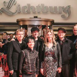 Premiere: Weil du nur einmal lebst - Die Toten Hosen auf Tour Bildergalerie Poster