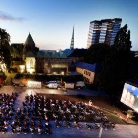 Lichtburg Open Air am Dom: Eröffnung 2020 Bildergalerie Poster
